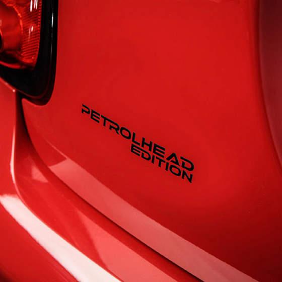 adesivo-petrolhead-78d4bb1a8d.jpg